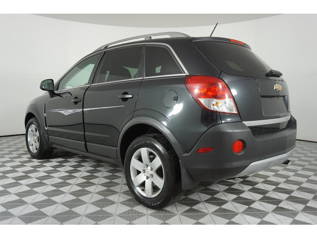 Pre-Owned 2012 Chevrolet Captiva Sport LS w/2LS