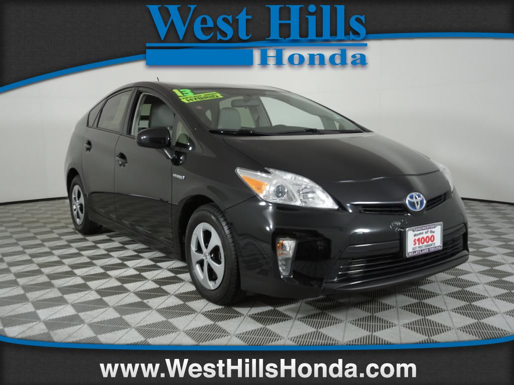 Pre-Owned 2013 Toyota Prius Five